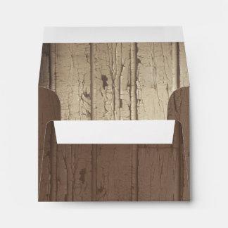 sobres de madera del boda del granero rústico para