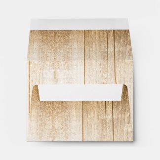 Sobres de madera rústicos para el país que casa