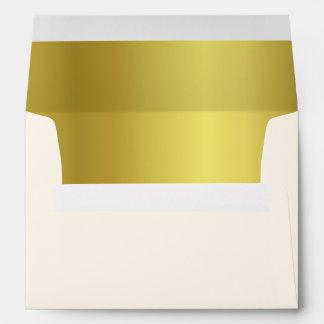Sobres dorados y de marfil elegantes del boda