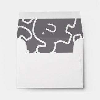 Sobres grises y blancos del elefante lindo