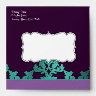 Sobres púrpuras del boda del damasco del pavo real