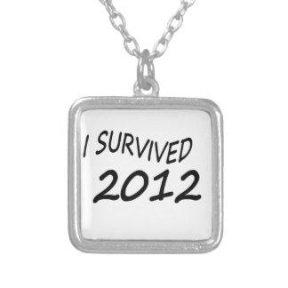 Sobreviví 2012 colgantes personalizados