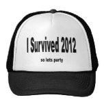 """""""Sobreviví 2012"""" gorras. """""""