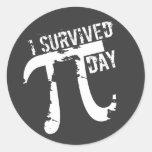 Sobreviví a los pegatinas del día del pi - regalo pegatinas redondas