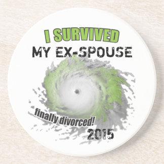 Sobreviví a mi Ex-Cónyuge (personalizable) Posavasos Diseño