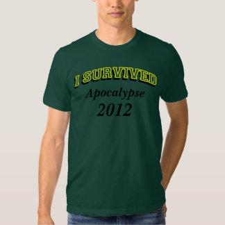 Sobreviví (apoc) 2012 camisetas, texto amarillo camisas