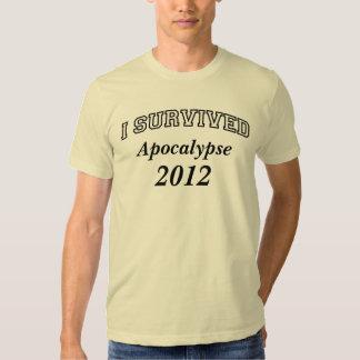Sobreviví (Apoc) 2012 camisetas, texto negro Remeras