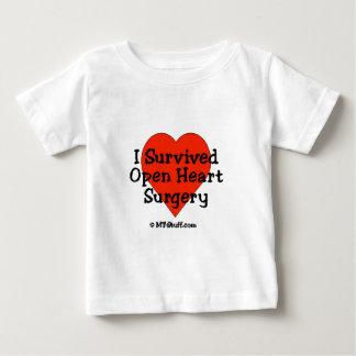 Sobreviví cirugía de corazón abierta playera de bebé