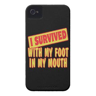 SOBREVIVÍ CON MI PIE EN MI BOCA iPhone 4 Case-Mate FUNDA