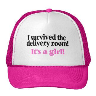 Sobreviví el cuarto de entrega su un chica gorras de camionero