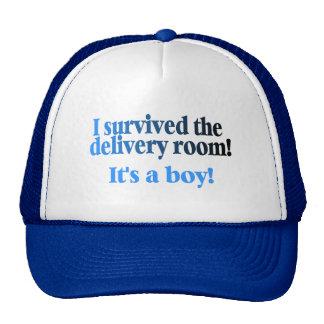 Sobreviví el cuarto de entrega su un muchacho gorros bordados
