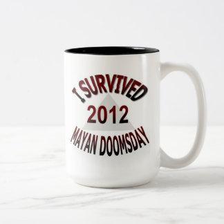 Sobreviví el día del juicio final maya 2012 taza de dos tonos