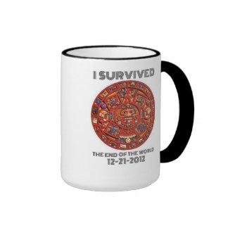 Sobreviví el extremo del mundo 12-21-2012 taza a dos colores