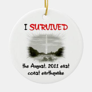 Sobreviví el terremoto 2011 de la costa este adorno navideño redondo de cerámica