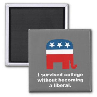 Sobreviví la universidad sin hacer un liberal imán cuadrado