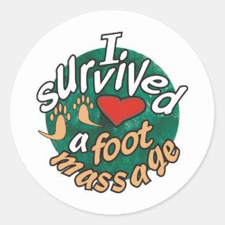 Sobreviví un masaje del pie pegatina redonda