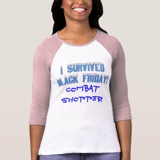 ¡Sobreviví viernes negro! Fuente de Snowcap Playera