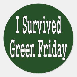 ¡Sobreviví viernes verde! Texto blanco resumido Pegatina Redonda