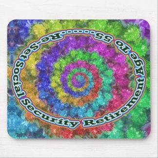 Soc. Sec. Retírese en el espiral de 55 flores Mouse Pads