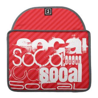 SoCal; Rayas del rojo del escarlata Fundas Macbook Pro
