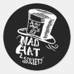 Sociedad enojada del gorra pegatina redonda