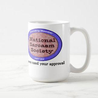 Sociedad nacional del sarcasmo taza básica blanca