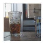Soda y agua tejas