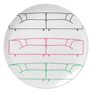 Sofá moderno de la sala de estar platos de comidas