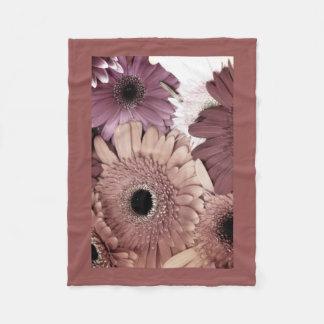 Soft Daisies Fleece Blanket