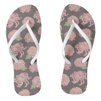 Soft Pink Chrysantemum Seamless Pattern Flip Flops