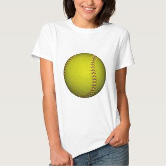 Softball amarillo con las puntadas púrpuras polera