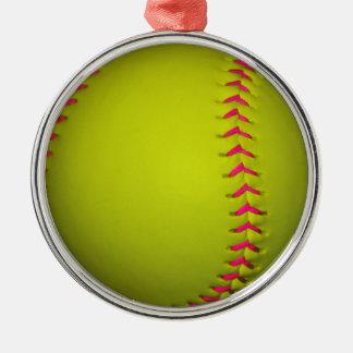 Softball amarillo con las puntadas rosadas adorno navideño redondo de metal