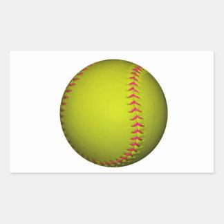 Softball amarillo con las puntadas rosadas pegatina rectangular