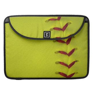 Softball amarillo de Dayglo Fundas Para Macbook Pro