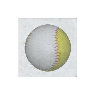 Softball amarillo y blanco brillante imán de piedra