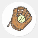 Softball y guante pegatina redonda