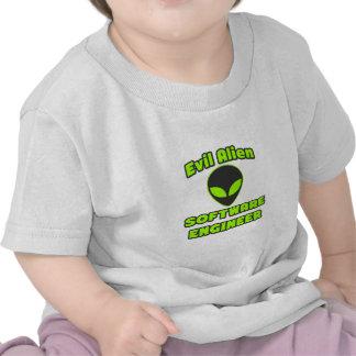 Software Engineer extranjera malvada Camisetas