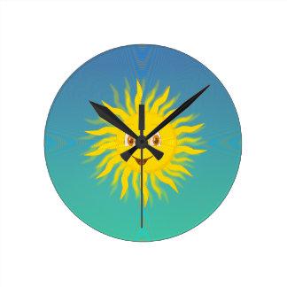 Sol con las líneas circulares reloj redondo mediano