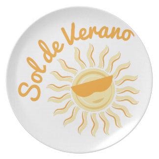 Sol De Verano Party Plates