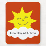 """Sol feliz mousepad de """"un día a la vez"""" tapete de ratones"""