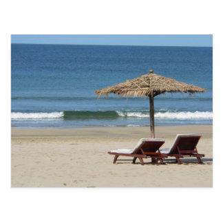 Sol playa y mar postal