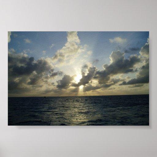 Sol poniente en Gran Caimán Póster