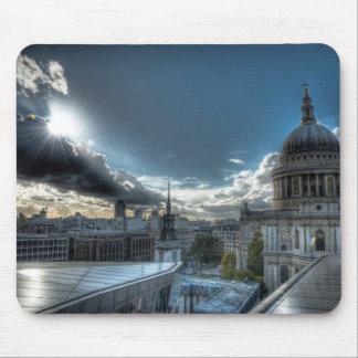 Sol sobre la catedral de San Pablo, Londres Mousepad
