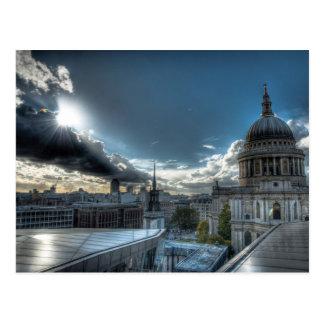 Sol sobre la catedral de San Pablo, Londres Postal