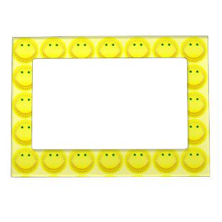 Sol sonriente amarillo marcos magnéticos