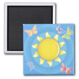 Sol y mariposas imán cuadrado