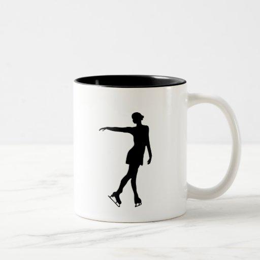 Sola figura negro y blanco del patinador taza de café