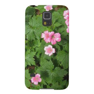 Sola flor rosada de Cranesbill - fotografía Carcasas Para Galaxy S5