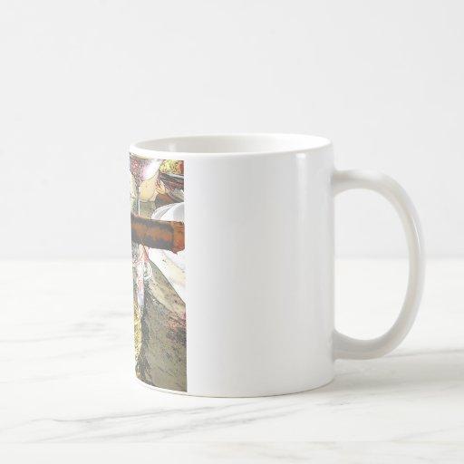 Sola malta escocesa y un cigarro tazas de café