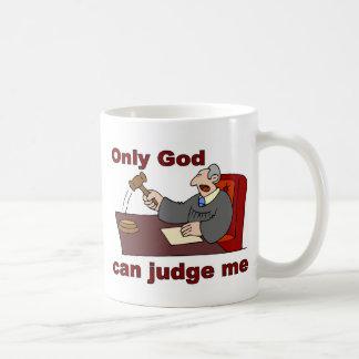 Solamente dios puede juzgarme el decir cristiano taza
